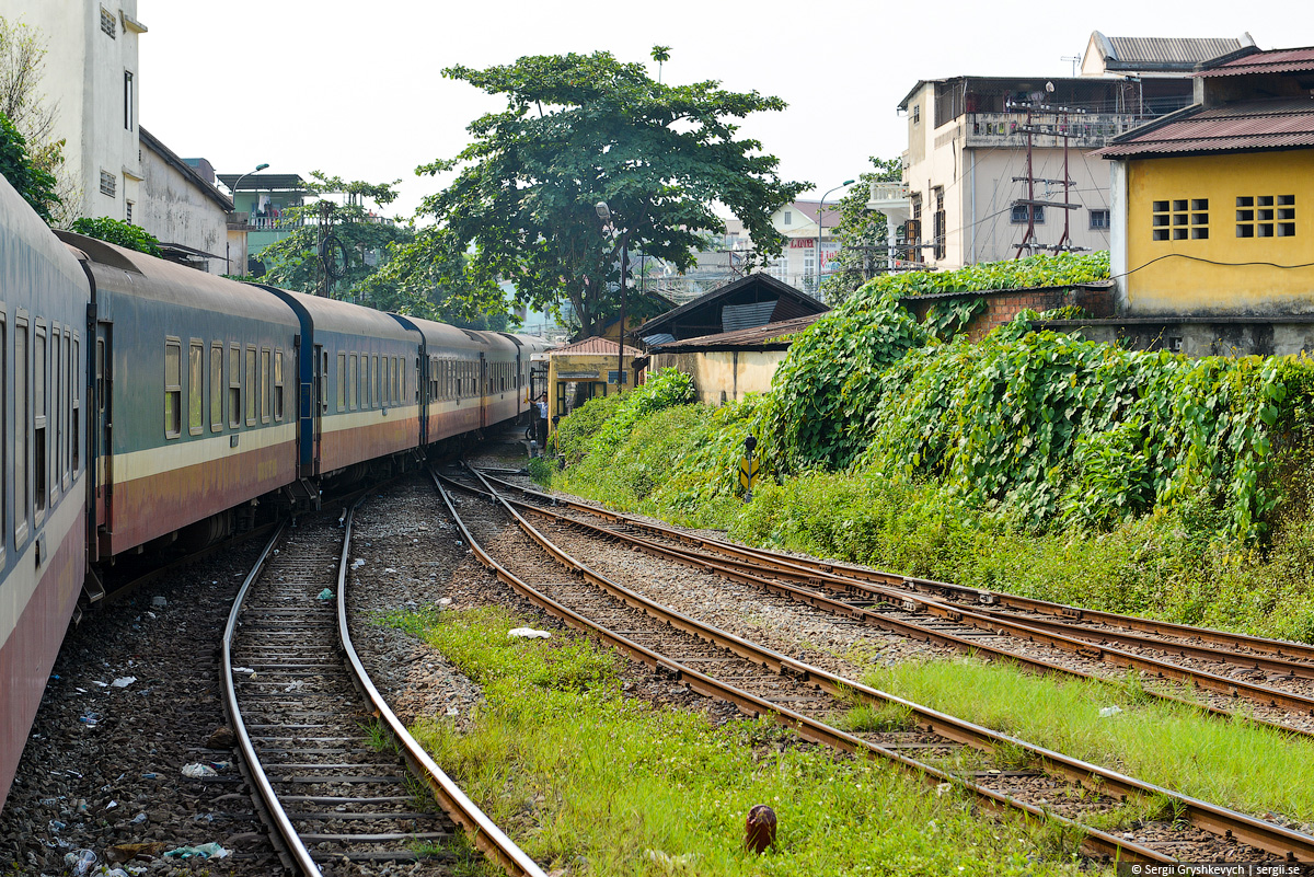 vietnam_reunification_express_train-16