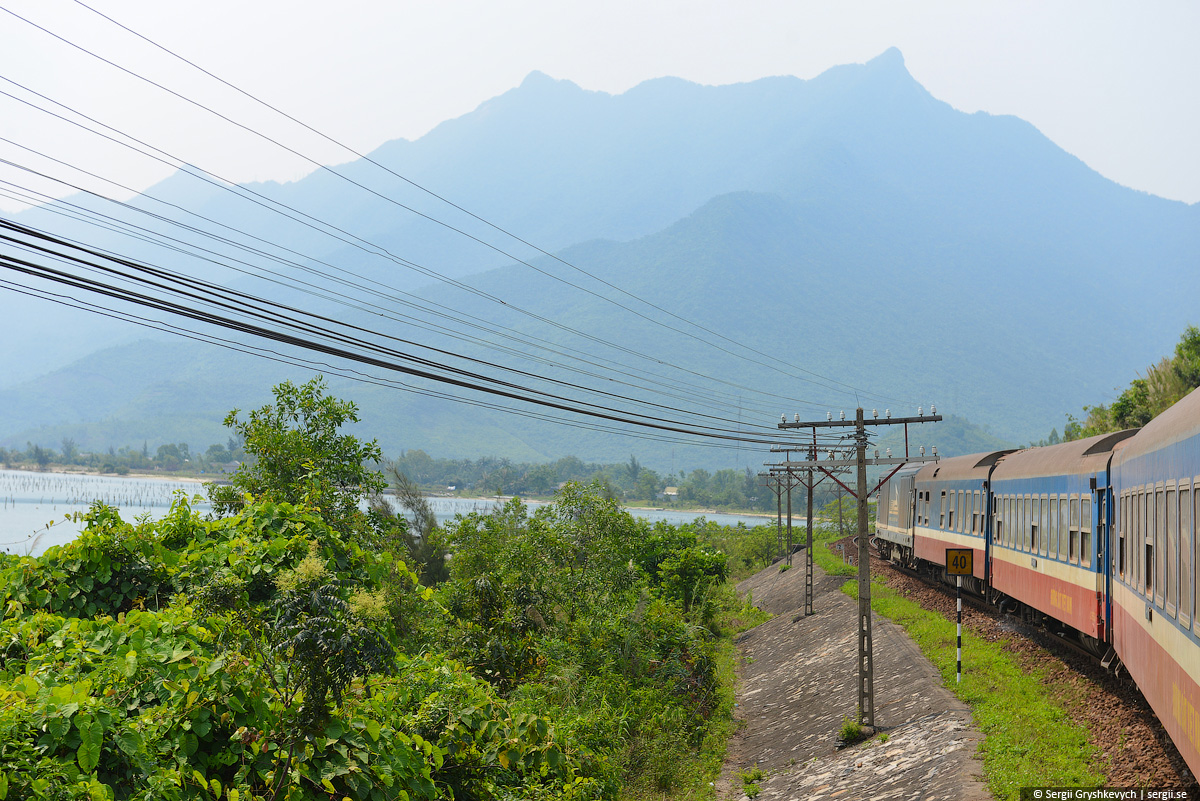 vietnam_reunification_express_train-40