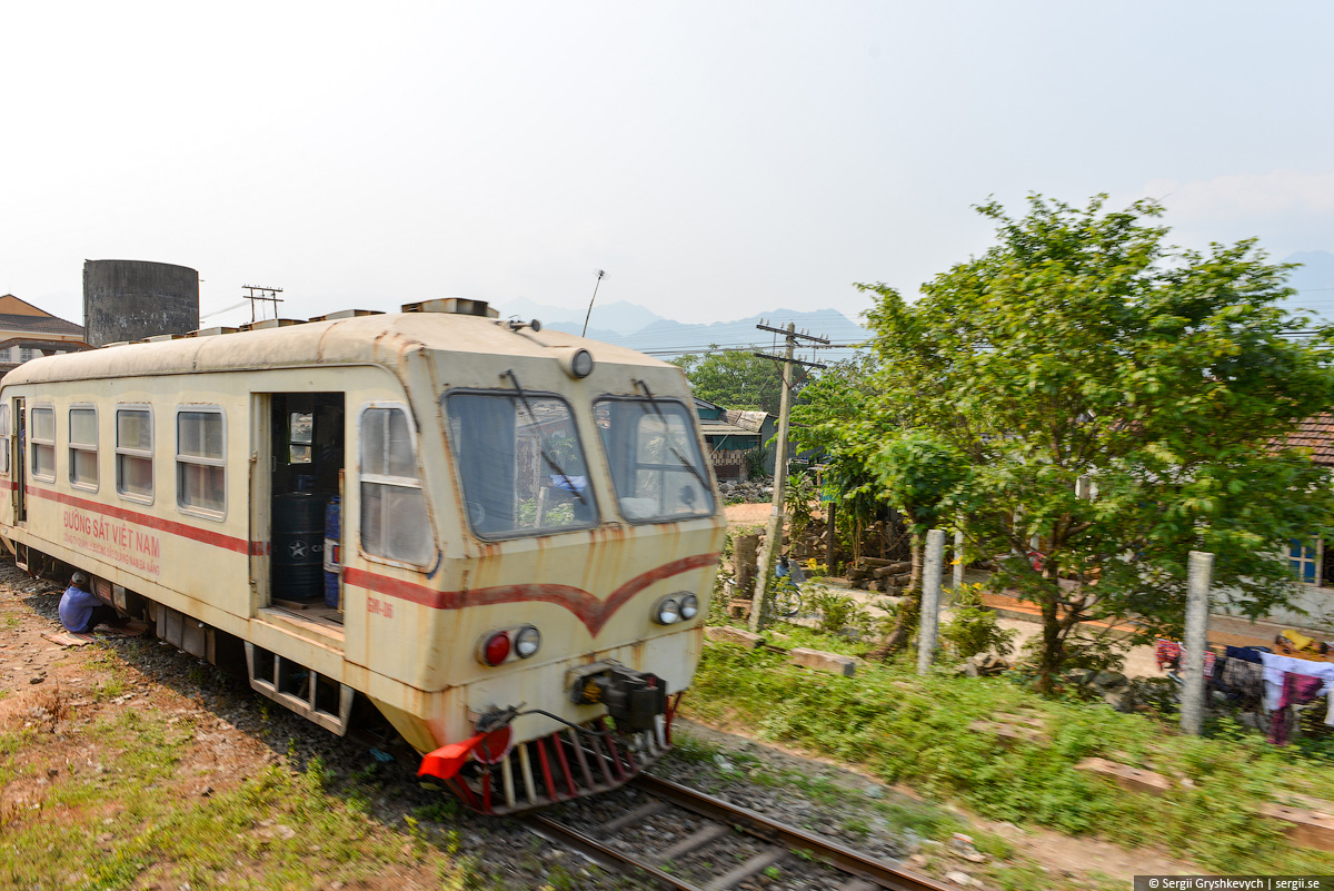 vietnam_reunification_express_train-28