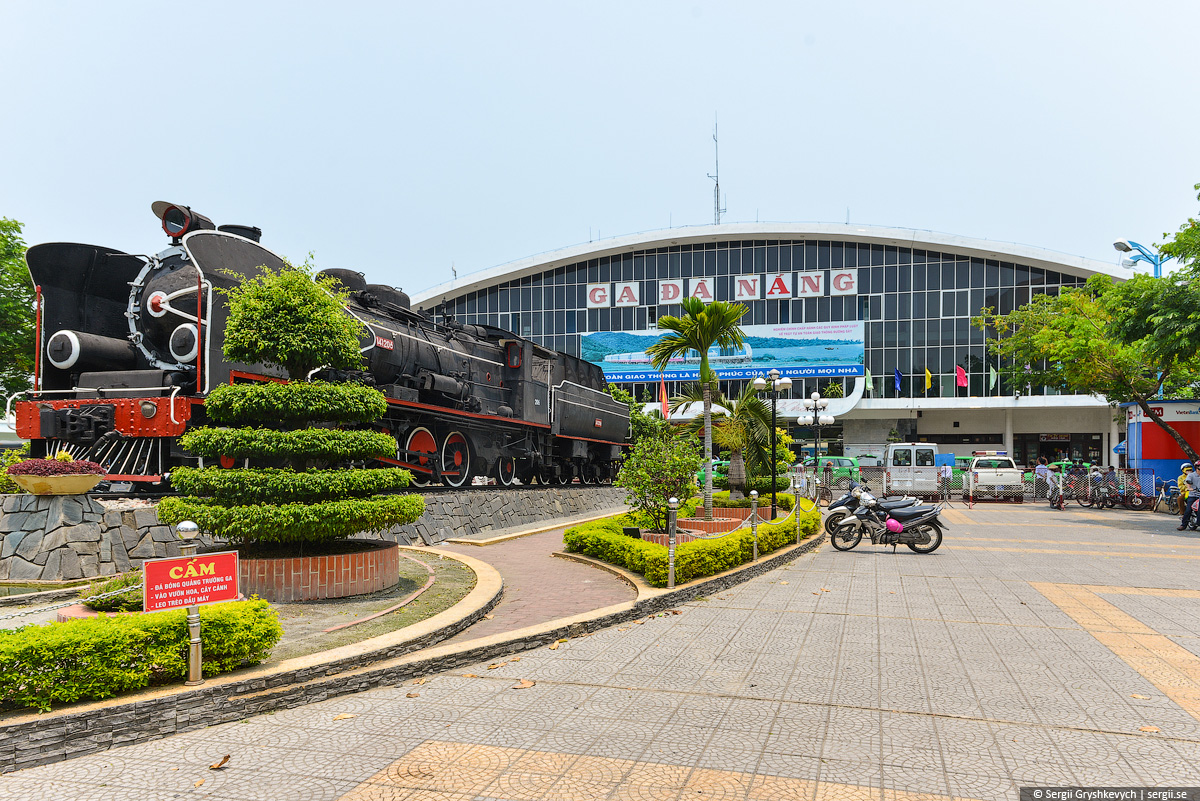vietnam_reunification_express_train-64