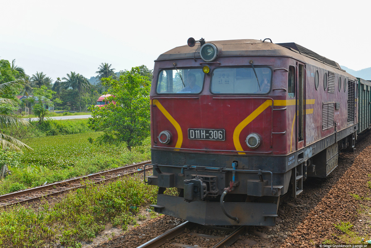 vietnam_reunification_express_train-35