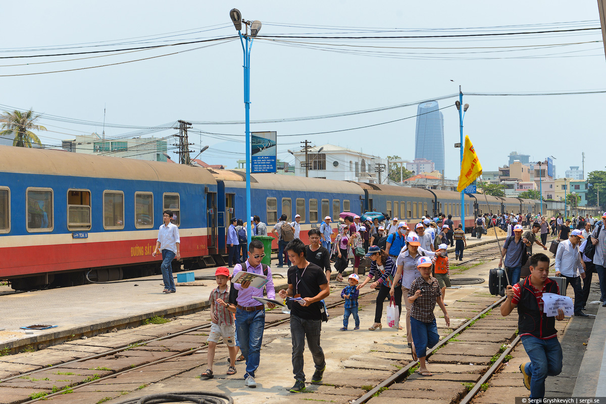 vietnam_reunification_express_train-62