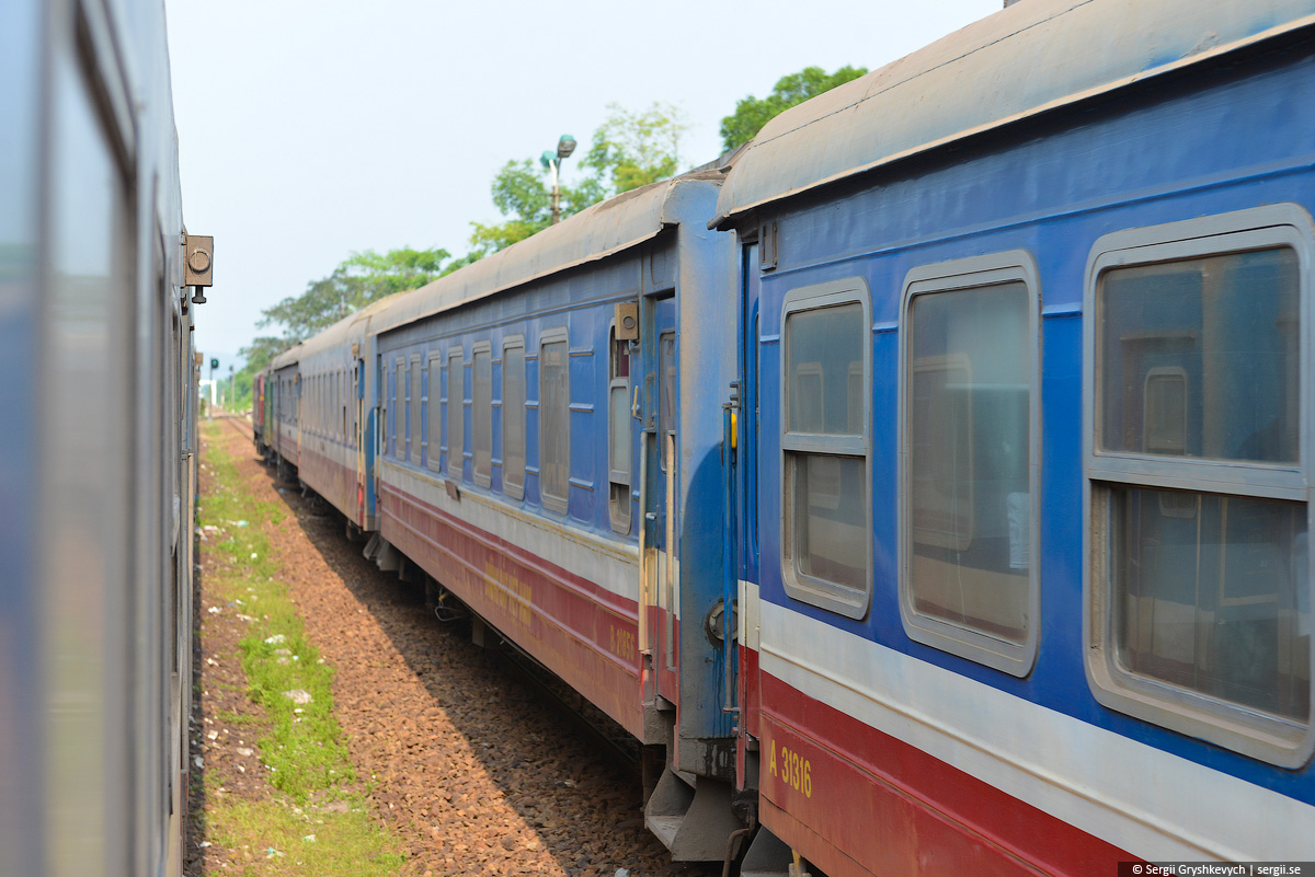 vietnam_reunification_express_train-36